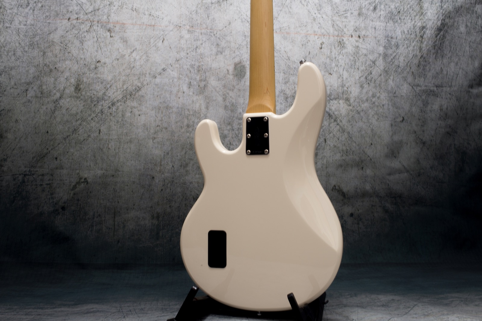 sterling sub ray 4 guitarshop folkestone. Black Bedroom Furniture Sets. Home Design Ideas